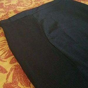 Boohoo Plus Asymmetrical black skirt